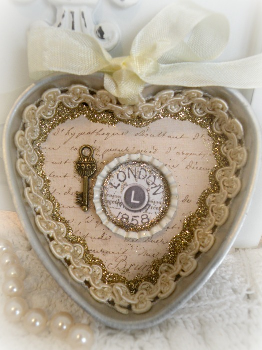 London Key heart jello mold assemblage with magnet