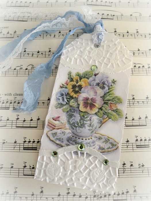 Tea cup with Pansies Gift tag
