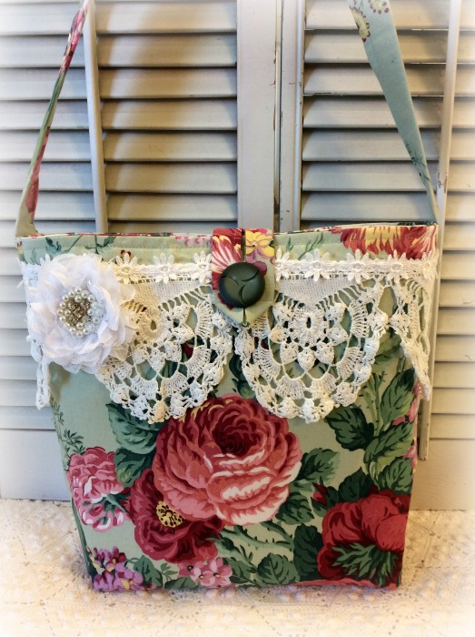 Red Garden Roses Market tote purse