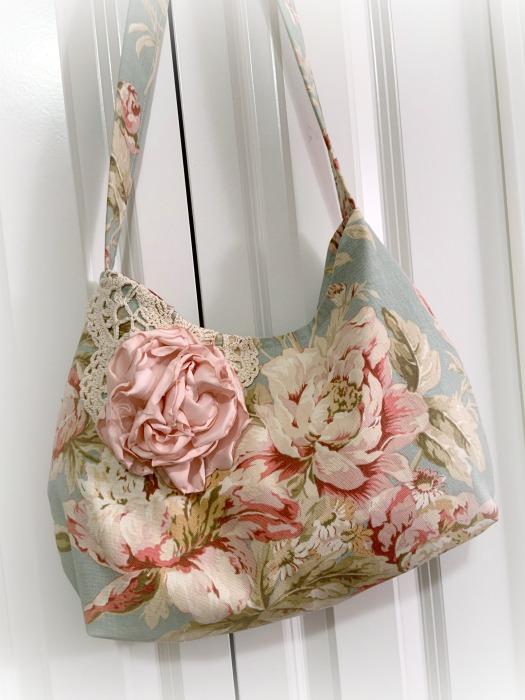 Vintage Pink Rose handbag *expected in stock Feb 20