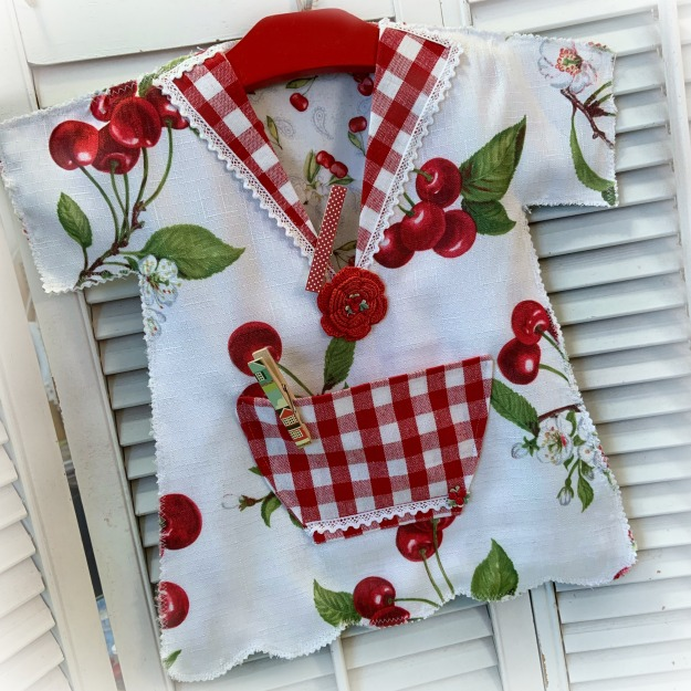 Vintage Cherries Retro Clothes pin bag cottage Farmhouse cottage