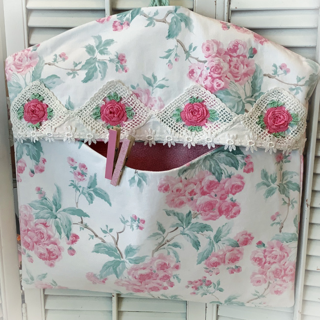 Ashwell pink roses vintage crochet Lingerie/Laundry/Clothespin bag