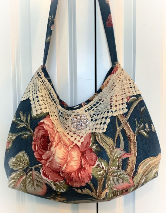 Vintage crochet Red Rose handbag