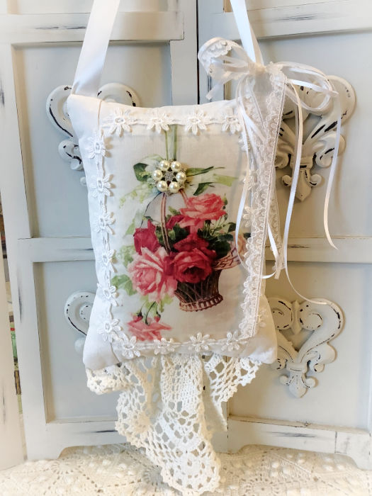 Roses on a ribbon KEEPSAKE Gift Pillow w/matching tag and sachet