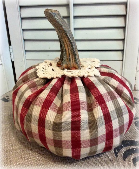 Classic plaid checks w/crochet and real pumpkin stem