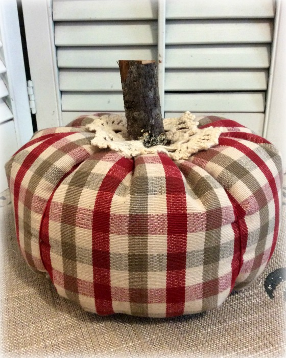 Classic plaid checks w/crochet and cord tie Punkin 8""