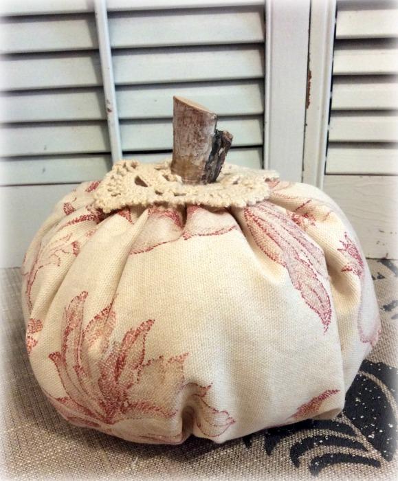 """Harvest Toile punkin w/crochet 8"""""""