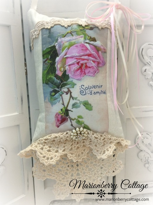 KEEPSAKE Gift Pillow Single pink rose French Memories of Friendship