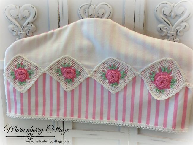 Vintage pink roses crochet hanger cover