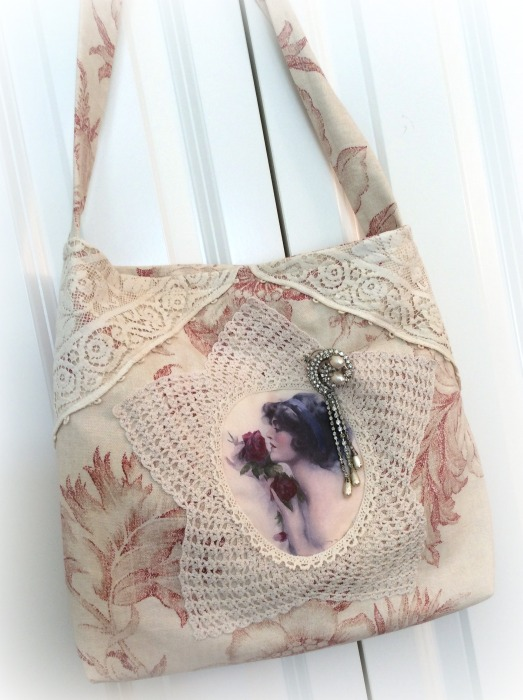 Victorian lady with red roses Market handbag
